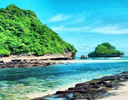 8 Wisata Pantai di Jawa Timur yang Paling Mengagumkan 418x328 » Ini Dia 8 Wisata Pantai di Jawa Timur yang Paling Mengagumkan
