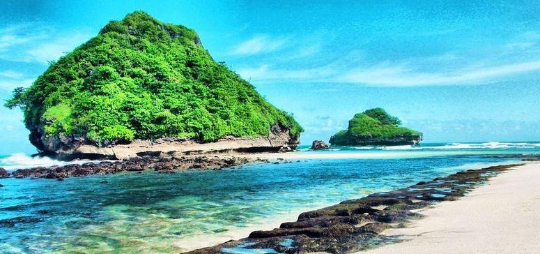 8 Wisata Pantai di Jawa Timur yang Paling Mengagumkan » Ini Dia 8 Wisata Pantai di Jawa Timur yang Paling Mengagumkan