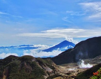 Keindahan Gunung Papandayan Surga Tersembunyi Kota Garut 418x328 » Ketahui Keindahan Gunung Papandayan, Surga Tersembunyi Kota Garut