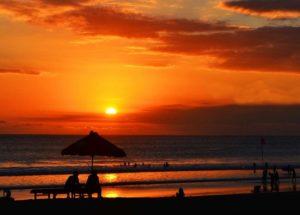 Pantai Kuta Bali Pantai Cantik di Indonesia dengan Sunset Terindah 300x215 » Referensi 10 Pantai Cantik di Indonesia dengan Sunset Terindah