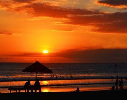 Pantai Kuta Bali Pantai Cantik di Indonesia dengan Sunset Terindah 418x328 » Referensi 10 Pantai Cantik di Indonesia dengan Sunset Terindah