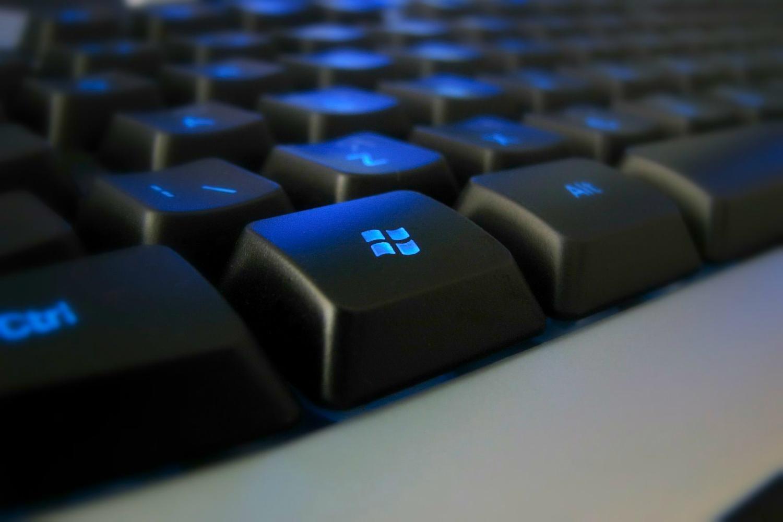 Varian Sistem Operasi Windows dan Perbedaan Fungsinya » Perbedaan Fungsi Jenis Sistem Operasi Windows pada PC atau Laptop