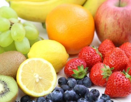 buah mengandung vitamin c 418x328 » Selain Buah Jeruk, 8 Makanan Ini Juga Kaya Akan Vitamin C