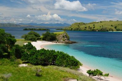 destinasi wisata alam indonesia pulau komodo » Inilah Tempat Wisata Alam di Indonesia Yang Wajib Dikunjungi