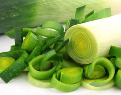 manfaat daun bawang bagi kesehatan serta kandungan zatnya 418x328 » Suka Makan Daun Bawang? Ini Dia Manfaatnya Bagi Kesehatan