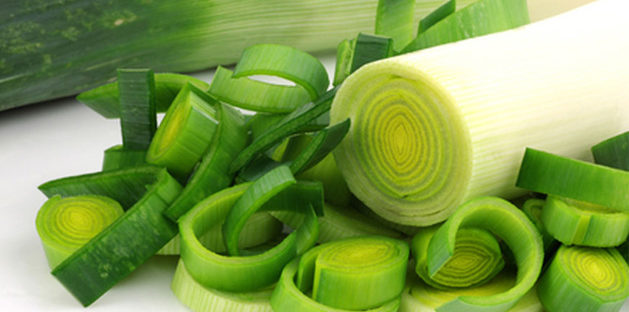 manfaat daun bawang bagi kesehatan serta kandungan zatnya 629x312 » Suka Makan Daun Bawang? Ini Dia Manfaatnya Bagi Kesehatan