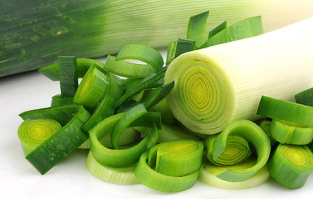 manfaat daun bawang bagi kesehatan serta kandungan zatnya » Suka Makan Daun Bawang? Ini Dia Manfaatnya Bagi Kesehatan