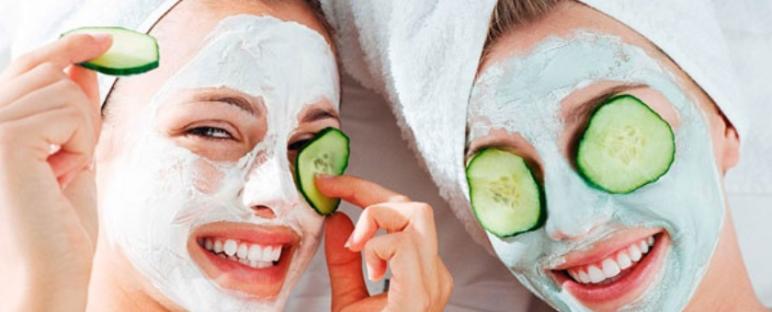 manfaat timun untuk kecantikan wajah 772x312 » Aneka Manfaat Mentimun untuk Wajah Cantik Anda