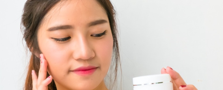 panduan memilih krim pemutih wajah aman sehat 772x312 » Cara Memilih Cream Pemutih Wajah yang Bagus dan Aman