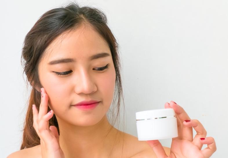 panduan memilih krim pemutih wajah aman sehat » Cara Memilih Cream Pemutih Wajah yang Bagus dan Aman