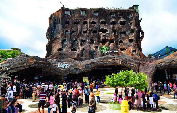 suasana loket masuk wisata jatim park 2 » Objek Wisata Jatim Park 2, Tempat Asyik Liburan bersama Keluarga