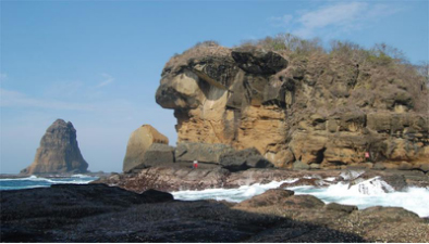 tempat wisata jember pantai watu ulo » Rekomendasi Tempat Wisata di Jember Yang Wajib Dikunjungi