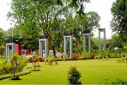 tempat wisata surabaya taman bungkul » Rekomendasi Objek Wisata di Surabaya Untuk Liburan Bersama Keluarga