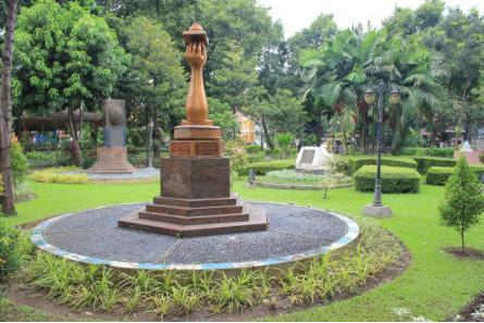 tempat wisata surabaya taman prestasi » Rekomendasi Objek Wisata di Surabaya Untuk Liburan Bersama Keluarga
