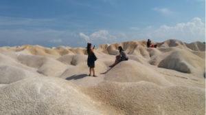 wisata gurun pasir busung bintan riau 300x167 » Seindah Sahara, Ini Dia Destinasi Wisata Gurun Pasir di Busung yang Eksotis