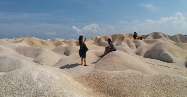 wisata gurun pasir busung bintan riau 601x312 » Seindah Sahara, Ini Dia Destinasi Wisata Gurun Pasir di Busung yang Eksotis