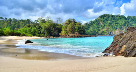 wisata pantai teluk ijo bwa jawa timur » Daftar 5 Pantai Eksotis di Jawa Timur sebagai Tujuan Liburan Anda