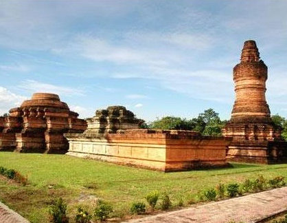 wisata sejarah candi muara jambi 418x324 » Candi Muara Jambi, Situs Purbakala Terluas se-Asia Tenggara