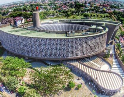 wisata sejarah museum tsunami aceh 418x328 » Ini Dia 4 Fakta tentang Arsitektur Museum Tsunami Aceh yang Memukau