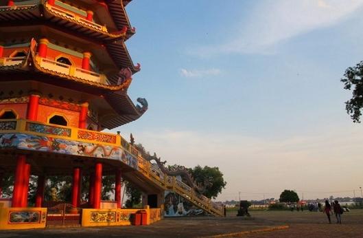 wisata sejarah pulau kemaro palembang » Wisata Pulau Kemaro di Palembang, Saksi Bisu Kisah Cinta yang Tragis