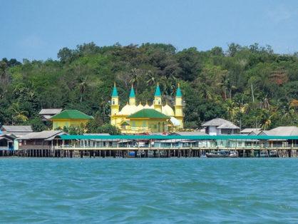 wisata sejarah pulau penyengat riau 418x314 » Pulau Penyengat, Wisata Sejarah Lokal bernuansa Islam di Riau