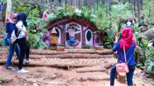 wisata seribu batu songgo langit dan rumah hobbit bantul jogja 300x168 » Seribu Batu Songgo Langit dan Rumah Hobbit, Wisata Hits di Bantul