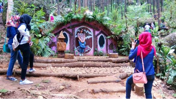 wisata seribu batu songgo langit dan rumah hobbit bantul jogja » Seribu Batu Songgo Langit dan Rumah Hobbit, Wisata Hits di Bantul