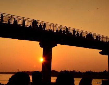 wisata tepi sungai batanghari jambi jembatan tangga raja 418x328 » Tangga Raja, Wisata Tepi Sungai Batanghari Jambi yang Memukau