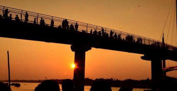 wisata tepi sungai batanghari jambi jembatan tangga raja 602x312 » Tangga Raja, Wisata Tepi Sungai Batanghari Jambi yang Memukau