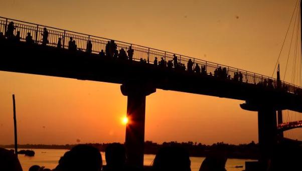 wisata tepi sungai batanghari jambi jembatan tangga raja » Tangga Raja, Wisata Tepi Sungai Batanghari Jambi yang Memukau